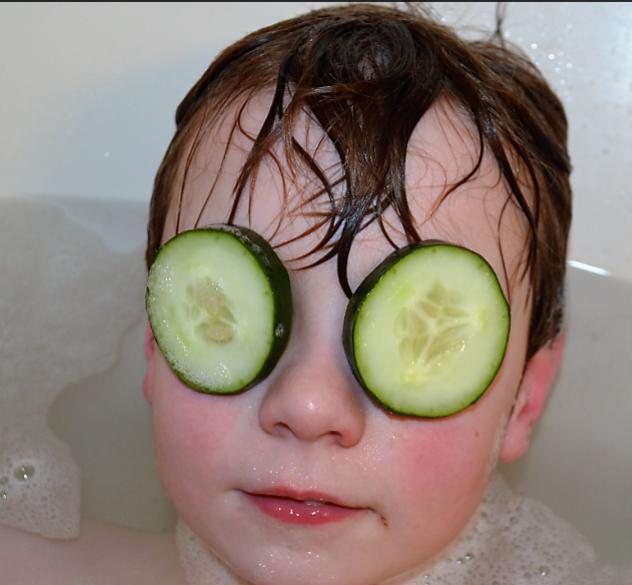 dp cucumbers help puffy eyes